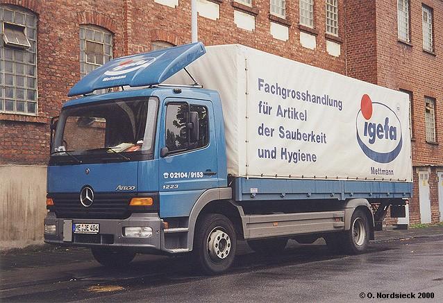 http://www.olafs-fotoseite.de/00100325-Mercedes-Atego-1223-Pritschen-Lkw-Igefa-blau.jpg